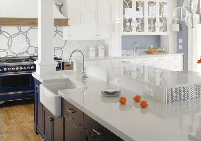 Kuchyně v pastelových tónech